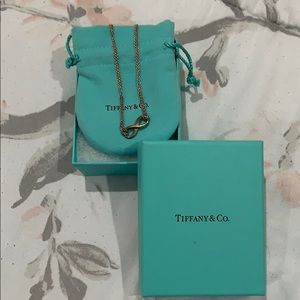 Tiffany & Co. Infinity Necklace + Orig. Packaging